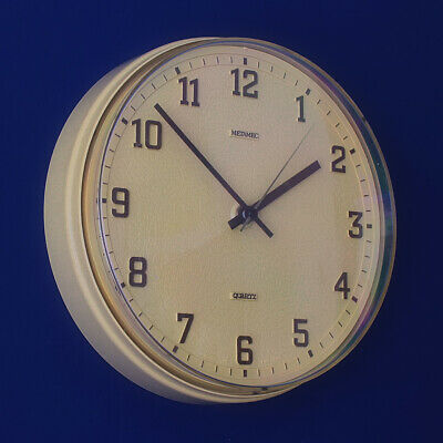 Metamec - Oatmeal / Beige 1970s Quartz Wall Clock - Vintage Retro