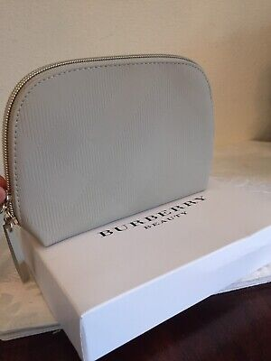 8a5af9eb0bb1 BURBERRY BEAUTY BEIGE Cosmetic Makeup Bag Pouch Clutch Brand NIB ...