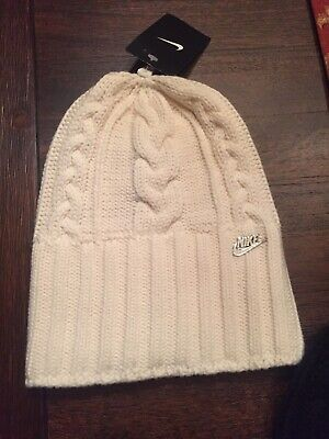 best service 1b2f6 35f4e New Nike Cable Knit Beanie Womens One Size Winter Hat