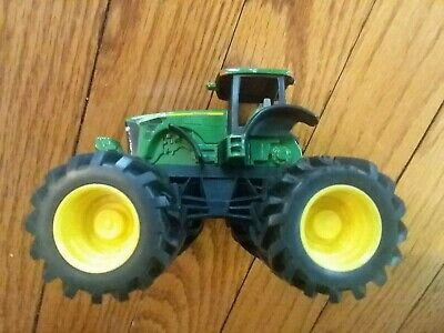 TOMY John Deere Children/'s Table and Chairs Set LP53479