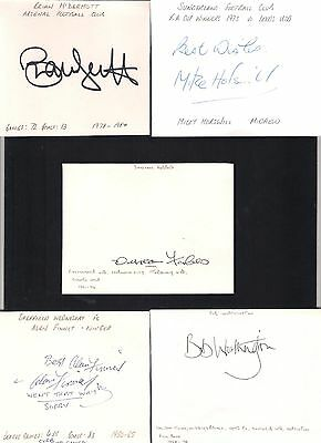 Card Signed by ALAN FINNEY the 1950-1965 SHEFFIELD WEDNESDAY Footballer