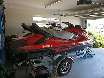 2 x jetski for sale with trailor and accessories