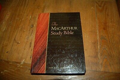 THE MACARTHUR STUDY BIBLE - NEW KING JAMES VERSION 1997 edition