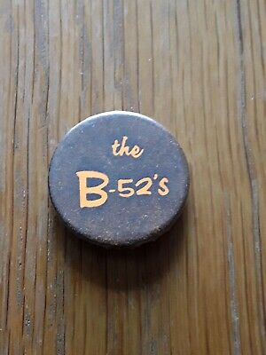 *REDUCED*  VINTAGE 1980s THE B-52s NEW WAVE BAND POP MUSIC BADGE PIN BACK