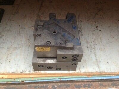 "Pieceall corner notcher 5"" x 5"" LH, 7-1/4"" x 9-1/2"" x 6"""
