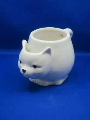 10 Strawberry Street Figural WHITE CAT MUG w/ Built-In Tea Bag Holder Kitten