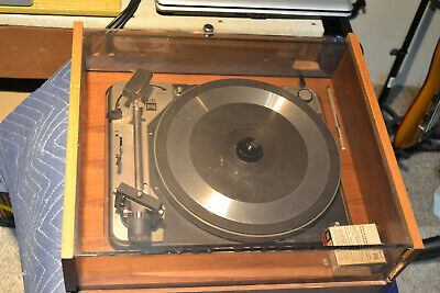 Dual 1019 vintage turntable complete and in very good condition.