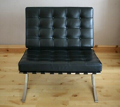 Original Knoll Barcelona Leather Chair by Mies Van Der Rohe Excellent Condition