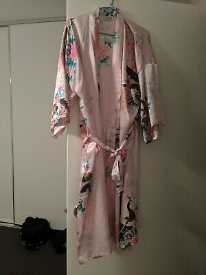 Excellent condition beauty satin dressing gown