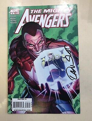 The Mighty Avengers - Comic #033 Signed By Dan Slot
