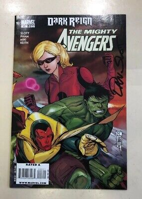 The Mighty Avengers - Comic #023 Signed By Dan Slot