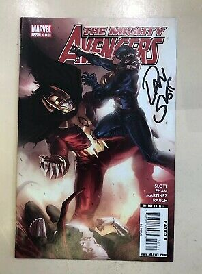 The Mighty Avengers - Comic #027 Signed By Dan Slot