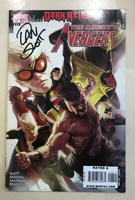 The Mighty Avengers - Comic #026 Signed By Dan Slot