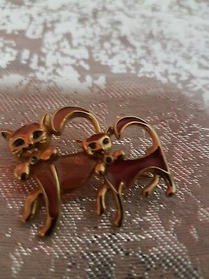 A Pair Of Cats  Brooch