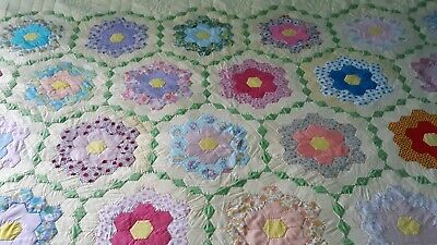 VINTAGE GRANDMOTHER'S GARDEN QUILT HAND QUILTED 82 X 100 Beautifully Hand Sewn