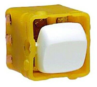 HPM INTERMADIATE SWITCH MECHANISM 10A 240V 4-Terminals, Flush Mount, White