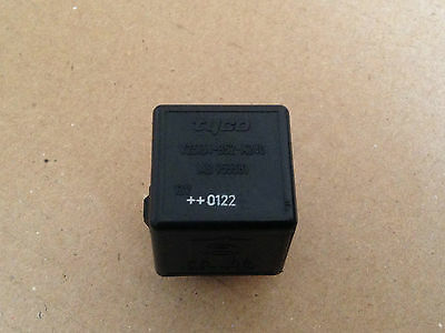 VOLVO S40 4 PIN V40 95-04 TYCO RELAY BLACK V23134B52X240 MB953381