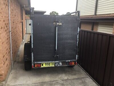 6 x 4 x 4 Fully enclosed offroad box trailer
