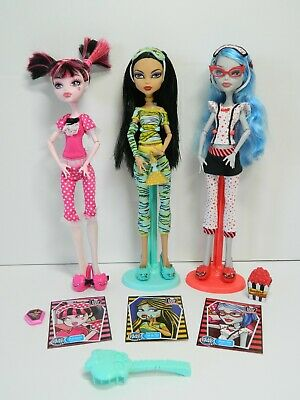 Monster High Dead Tired lot, 3 dolls with accessories, 2 stands
