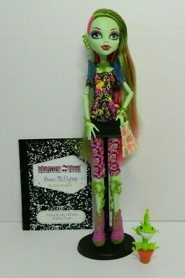 Monster High Venus McFlytrap Doll & pet, First Wave