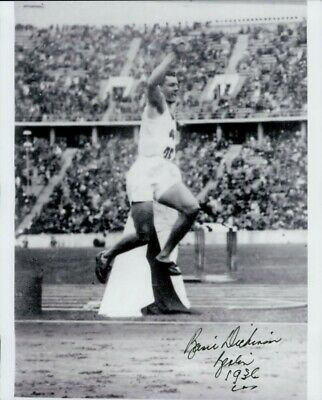 Basil Dickinson Signed Photo - Australian athlete 1936 - F418