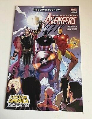 Avengers Earth's Mightiest Heroes Comic - Signed By Sara Pichelli