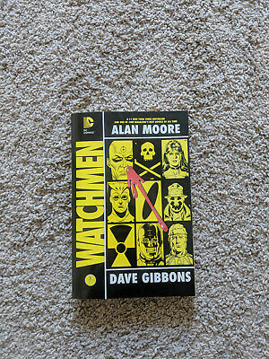 Watchmen by Alan Moore Dave Gibbons DC Comics (Paperback)