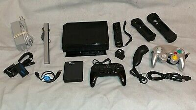 HUGE MODDED Wii CONSOLE BUNDLE W/ 2TB HARD DRIVE + 32GB SD + 4 CONTROLLERS +MORE