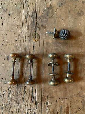 4 pairs of Georgian / Victorian 18th century brass door knobs & a beehive knob