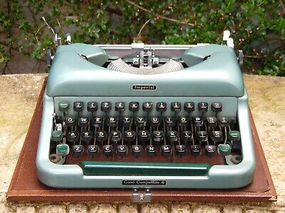 Vintage Imperial Good Companion4 Portable Typewriter In Case Retail Display Prop