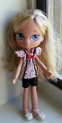 Bratz Kidz doll Blonde hair CLOE Blue Eyes VGUC HTF
