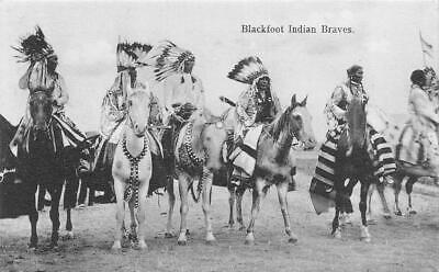 BLACKFOOT INDIAN BRAVES on HORSES 1907 Native Americana B&W Postcard