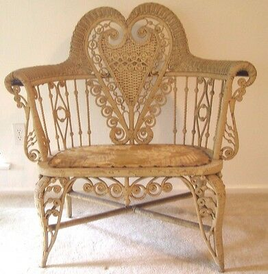 ANTIQUE VICTORIAN WICKER SETTEE HEYWOOD WAKEFIELD  Heart LOVE Shape / Great Gift