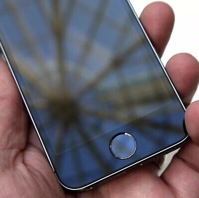 Apple iPhone SE - 32GB - Space Grey - (Unlocked) Excellent Condition RRP£299
