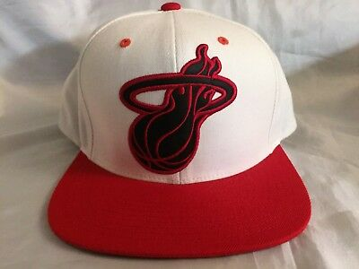 finest selection a09af 7d042 Miami Heat NBA Basketball Flat Bill Snapback Hat Cap Mitchell Ness White  Red HWC