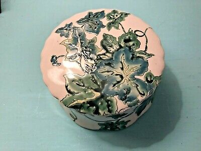 Vintage Hand Painted Chinese Porcelain Trinket Box Green/White Design Leaves Ivy