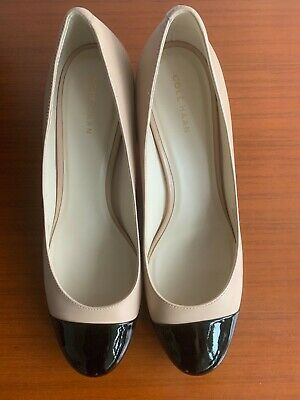ab2e6189365 COLE HAAN DAWNA cap-toe Leather Pumps size 8.5 Maple sugar/ Black $220  Excellent