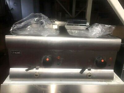 LINCAT Commercial Electric Table Top Chips / Fish Fryer (Twin Baskets and Tank)