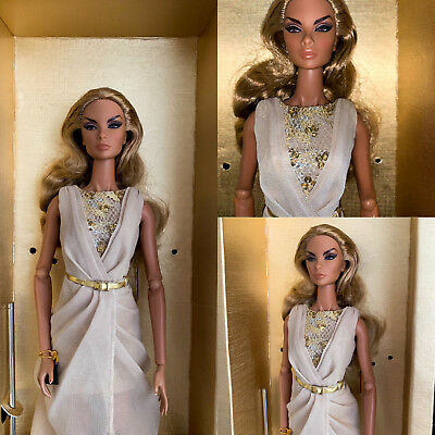 FASHION ROYALTY BRAZEN BEAUTY NATALIA FATALE Convention 2013 Doll RARE FR2