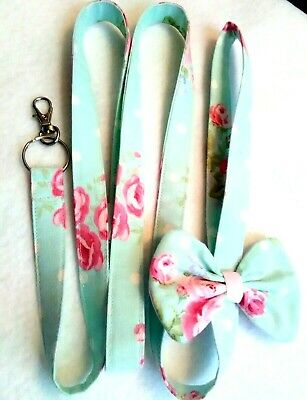 """2 piece Shabby Chic Dog Leash 53""""L and Reversible Over the Collar Bandana"""