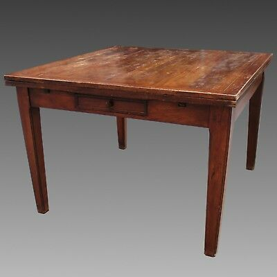 Antique extendible Table in Walnut - Italy 19th century