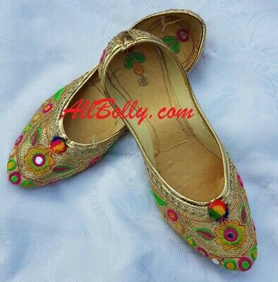 1c0d17d39d13a HANDMADE BRIDAL SHOE Women Punjabi Jutti Peacock Embroidered Velvet ...