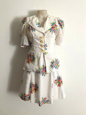 Vintage 1970s floral print two piece jacket and skirt set