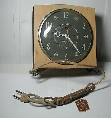 New Antique Vintage Seth Thomas Penthouse Blonde Wood Alarm Clock Model E927-000