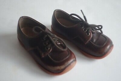 Very Cute True Vintage CLARKS Rompsters Baby Leather Shoes Infant Size 4 Prop