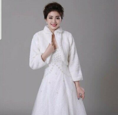 UK 2 Tier Bridal Veil White Ivory Elbow Length Boned Edge Wedding Veil With Comb