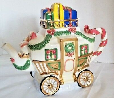 Charter Club Winter Garland Christmas Chariot Carriage Tea Pot 2001 New in Box