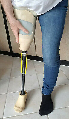 Beinprothese Amputation Oberschenkel Prothese links Prosthesis Artificial Leg