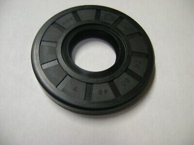 New Tc 20X49X7 Double Lips Metric Oil / Dust Seal With Garter Spring
