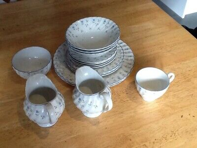 Johnson Brothers Melody Dinner Set Pieces VGC